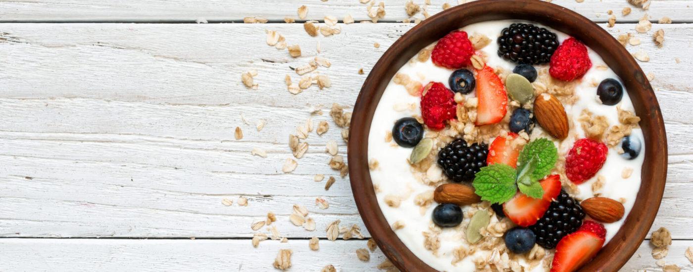 leckeres Porridge mit Früchten - Essfit